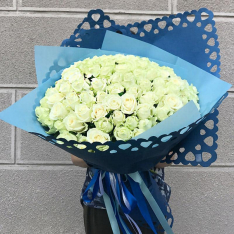 101 белая роза Аваланч 60 см фото