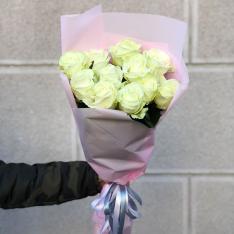 11 белых роз 60 см фото
