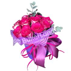 11 импортных роз в шляпной коробке фото