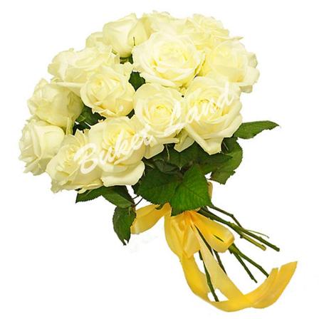 15 белых роз Аваланч 60 см фото