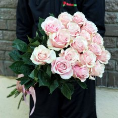 17 эквадорских роз Пинк Мондиаль 80-90 см фото
