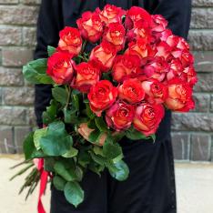 25 эквадорских роз Игуаза 80-90 см фото