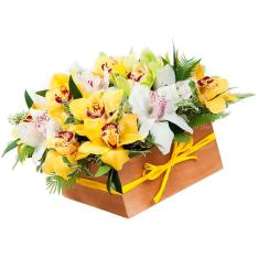 25 орхідей мікс в коробці фото