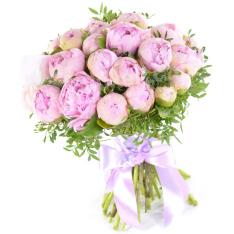 25 розовых пионов с зеленью фото