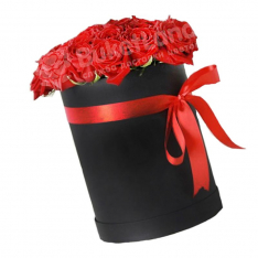 31 красная роза в шляпной коробке фото