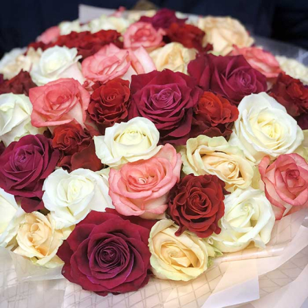 51 roses mix in a hat box (4 colors) photo