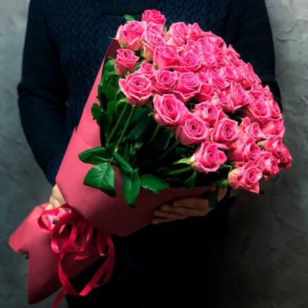 51 розовая роза Аква 60 см фото