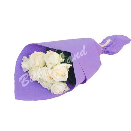 9 белых роз Аваланч 60 см