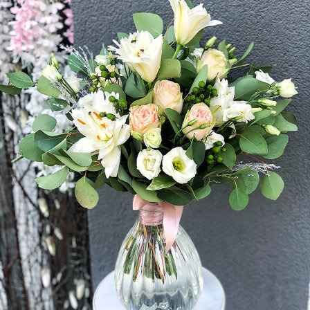 Букет квітів «Чарівність Провансу» + ВАЗА В ПОДАРУНОК