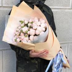Букет з 17 кущових троянд Бомбастік фото