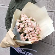 Букет из 25 кустовых роз Бомбастик фото