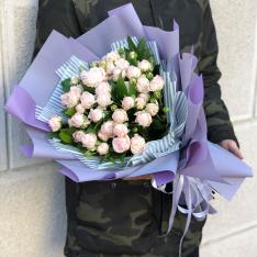 Букет з 7 кущових троянд Бомбастік фото