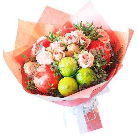 Букет из фруктов и цветов «Love» | размер M фото