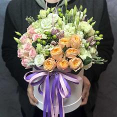 Цветы в шляпной коробке «Левитация» фото