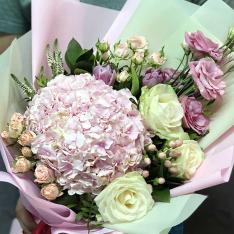 Букет цветов «Маленький праздник»  фото