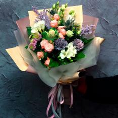 Букет цветов «Воздушный поцелуй» фото