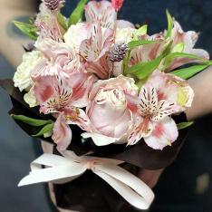 Композиция «Комплимент» - доставка цветов Киев и Украина фото
