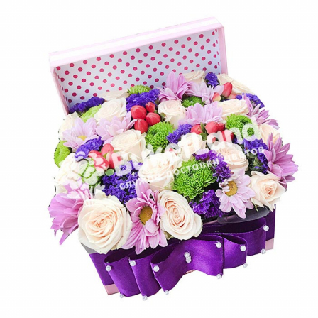 Box with flowers 1 | size S photo
