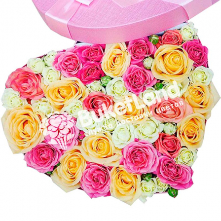 Box with flowers in the form of heart 2 | size L photo