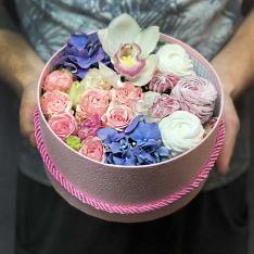 Коробочка с цветами и зефиром «Нектар» фото