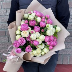 Букет цветов из 9 пионовидных роз микс фото