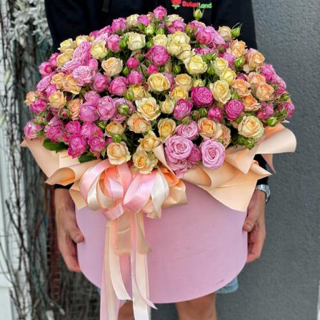 101 кустовая Роза микс в шляпной коробке  фото
