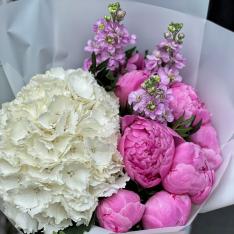 Букет цветов в ассортименте «Доминика» фото
