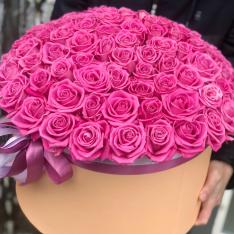 101 рожева троянда в шляпной коробці фото