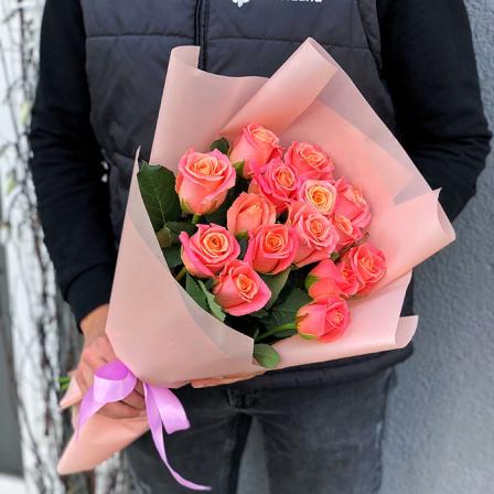 15 троянд Міс Піггі
