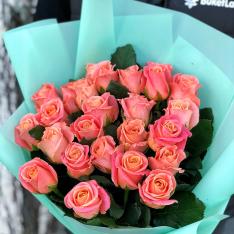 25 роз Мисс Пигги фото