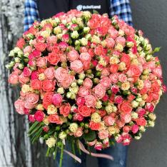 Букет из 101 розы спрей микс фото