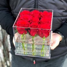 Композиция в прозрачной коробке «Дамира» фото