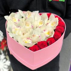 Коробочка с цветами «Предвкушение» фото