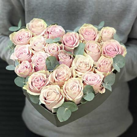 Сердце с эквадорскими розами «Джульетта» фото