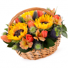 """Flowers in the basket """"Composition of the Summer"""" photo"""