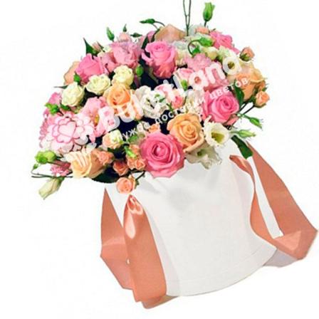 Цветы в шляпной коробке «Антракт» фото
