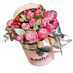 Цветы в шляпной коробке «Барби» фото