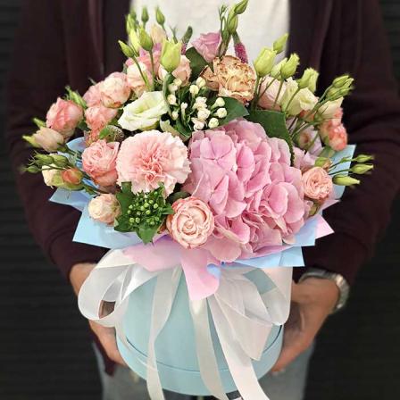 Цветы в шляпной коробке «Эльфийская принцесса» фото