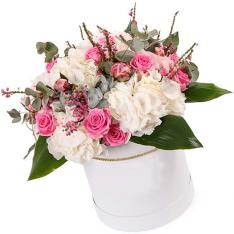Цветы в шляпной коробке «История любви» фото
