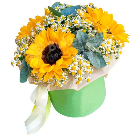 Цветы в шляпной коробке «Летние воспоминания» фото