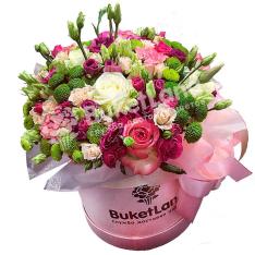 Цветы в шляпной коробке «Мелодия счастья» фото