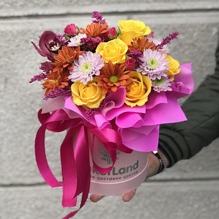 "Flowers in a hat  box ""Tiffany"" photo"