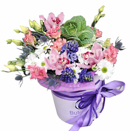 Цветы в шляпной коробке «Волшебство» фото