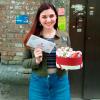 Коробка с цветами и сладостями в виде сердца | размер М фото