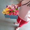 Коробка с цветами и конфетами 2 | размер M фото