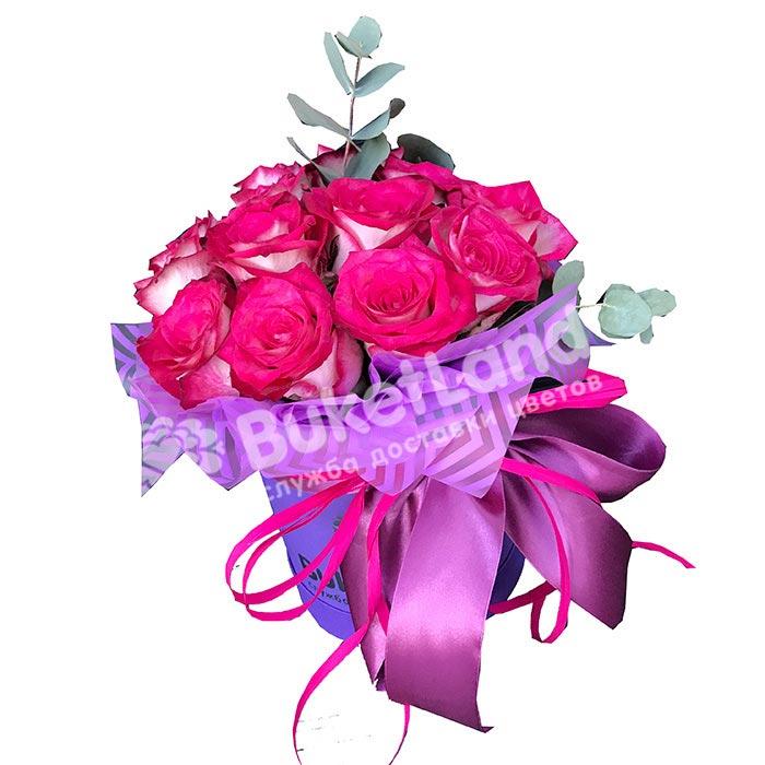 11 импортных роз в шляпной коробке