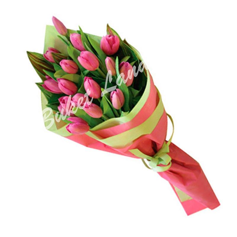 19 розовых тюльпанов