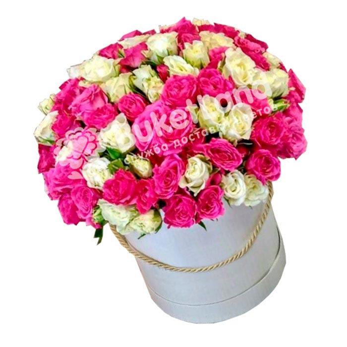 31 роза спрей микс в шляпной коробке