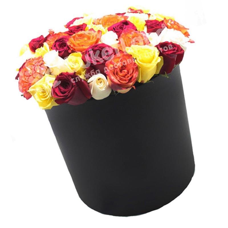 51 роза микс 1 в шляпной коробке