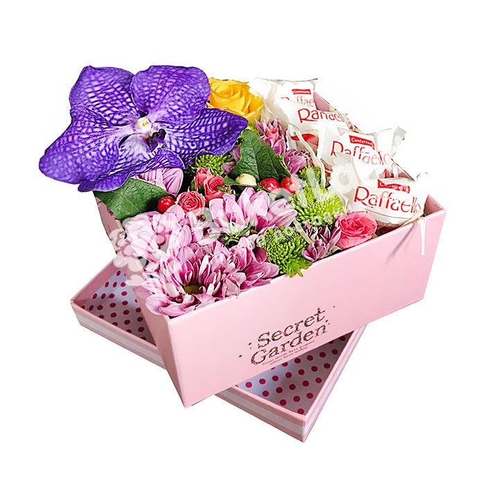 Коробка с цветами и конфетами 2 | размер M